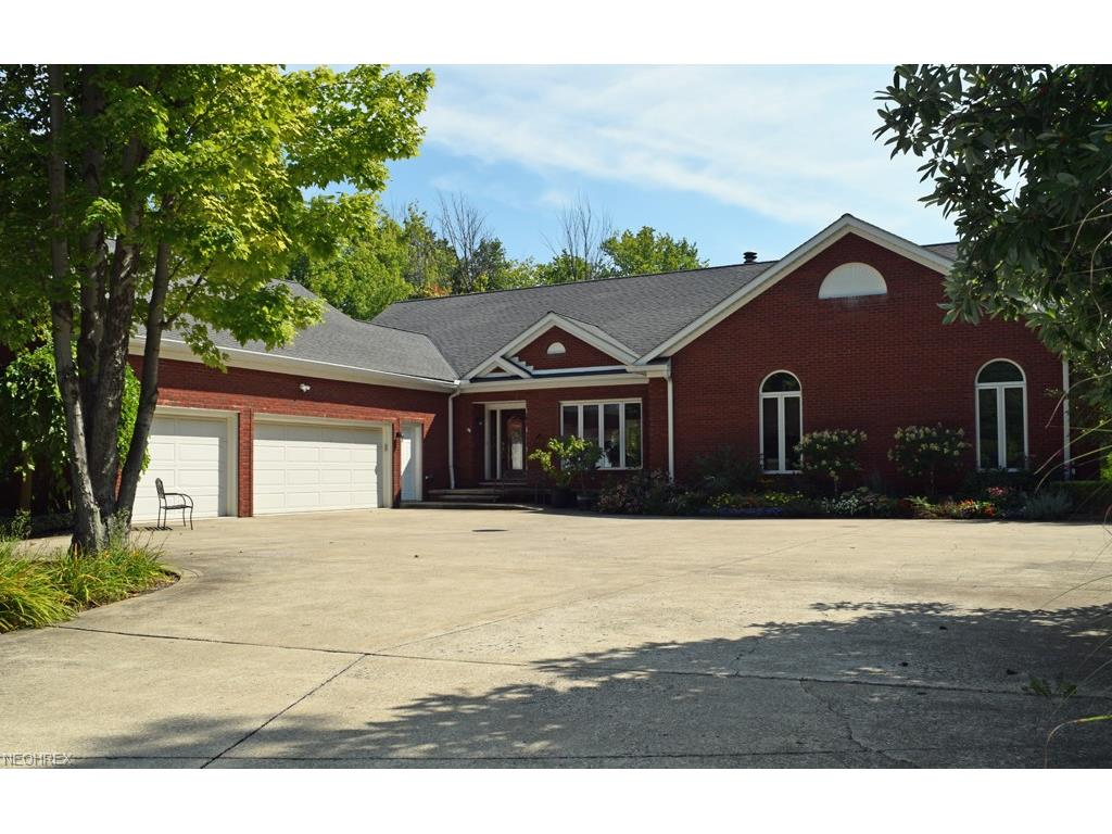 2967 Sherbrooke Valley Ct, Willoughby Hills, OH 44094