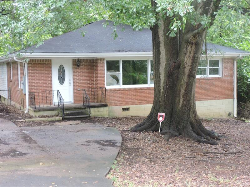 826 Sherwood Circle, Forest Park, GA 30297