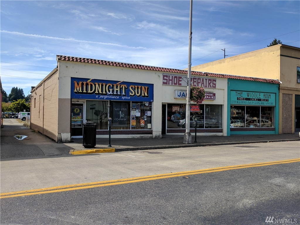 Terrific downtown Olympia location. Great redevelopment opportunity in the heart of downtown, close to waterfront. Zoning allows for a number of different uses, including mixed-use.