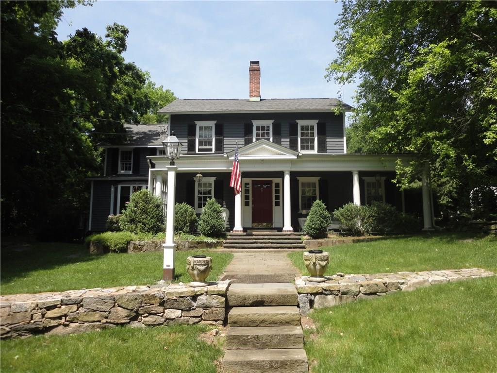 WONDERFUL VINTAGE HOME IN TOKENEKE SCHOOL DISTRICT. MATURE PLANTINGS AND LANDSCAPING. GREAT OPPORTUNITY TO RENOVATE IN A LOCATION CLOSE TO TOWN AND TRAIN.