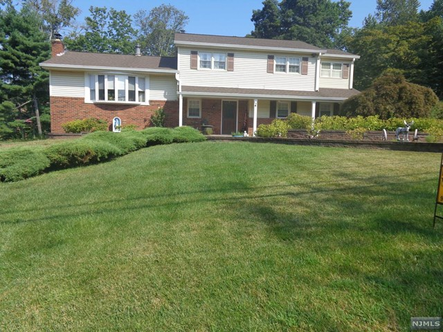 12 Rand Road, Montville Township, NJ 07058