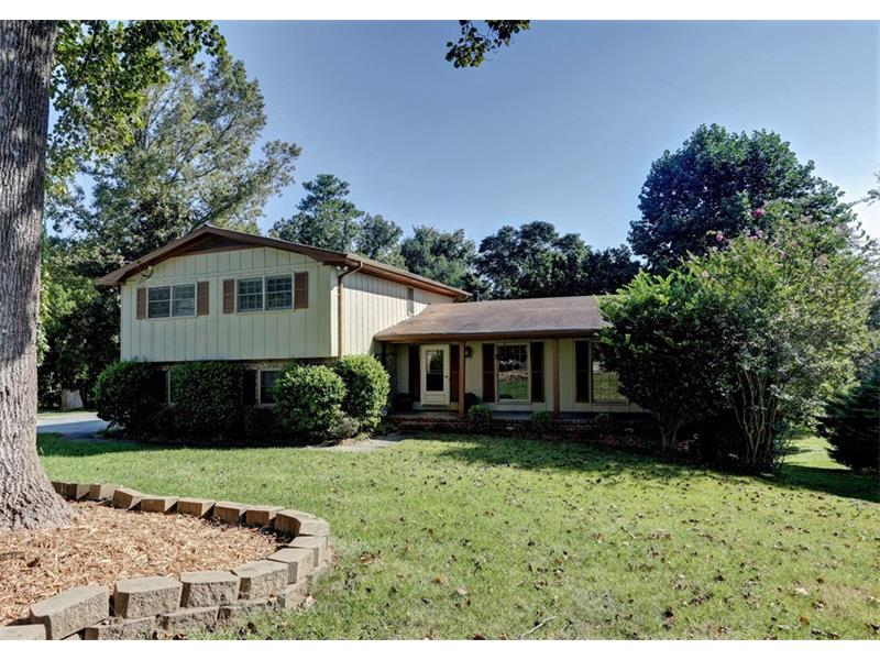 Hurry!  Spacious home on quiet cul-de-sac in Lockridge Forest swim/tennis!  Eat-in kitchen has view to Family Room with fireplace & built-ins.  Formal dining and living rooms are perfect for entertaining. Master suite is a true retreat, with a large walk-in closet and a spa-like master bath with granite countertops, dual vanity, and tons of storage. Additional bedrooms are well-sized and bright. Finished walk-out basement with wet bar and half bath. Amazing outdoor space includes a multi-level deck overlooking the huge backyard!