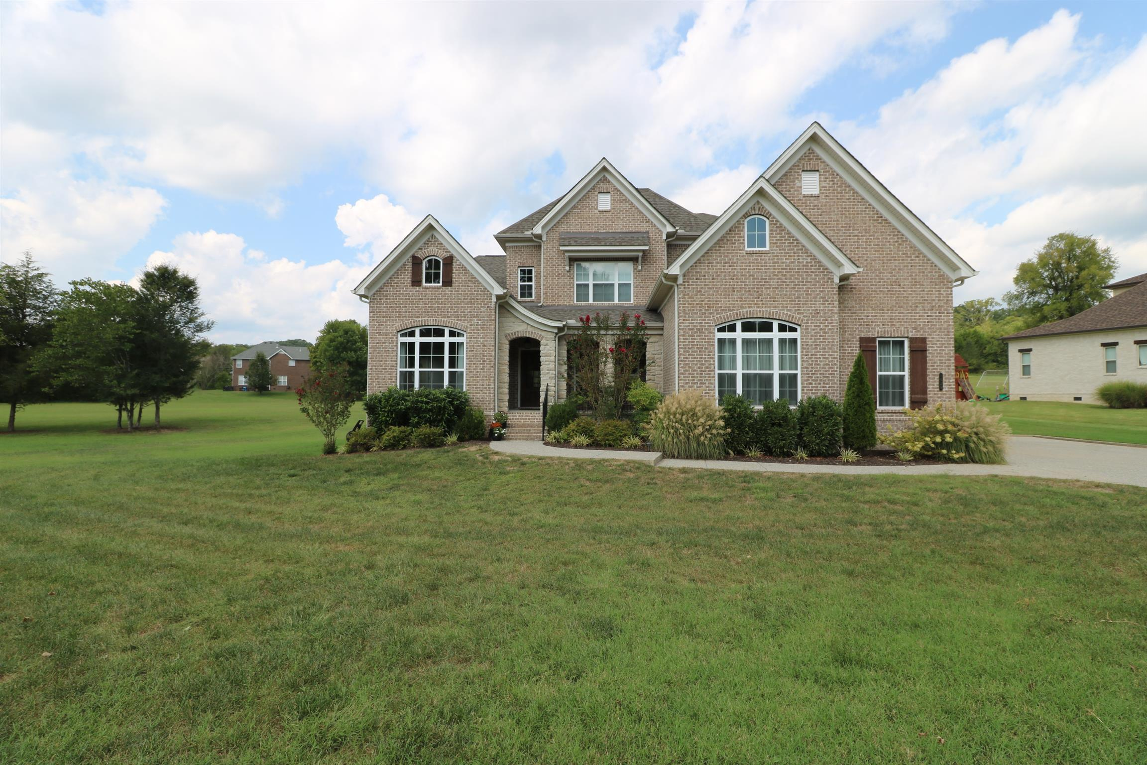 Image of a lovely single family home in Fountainbrooke, Brentwood, TN