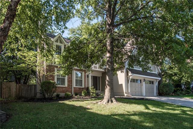 8919 W 132nd Street, Overland Park, KS 66213