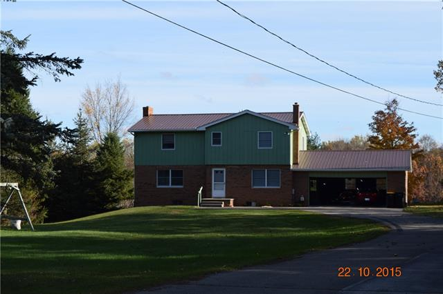 Riverfront 5 Bedroom!! An acre of land on beautiful riverbank. Spacious home with attached garage, walk-out basement.