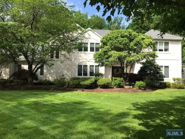 17 Stokes Farm Road, Old Tappan, NJ 07675