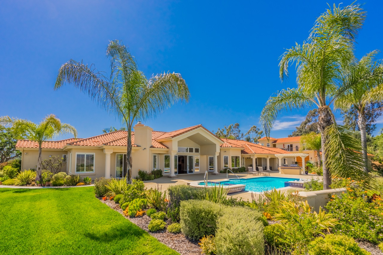28 Country Glen Rd, Fallbrook, CA 92028