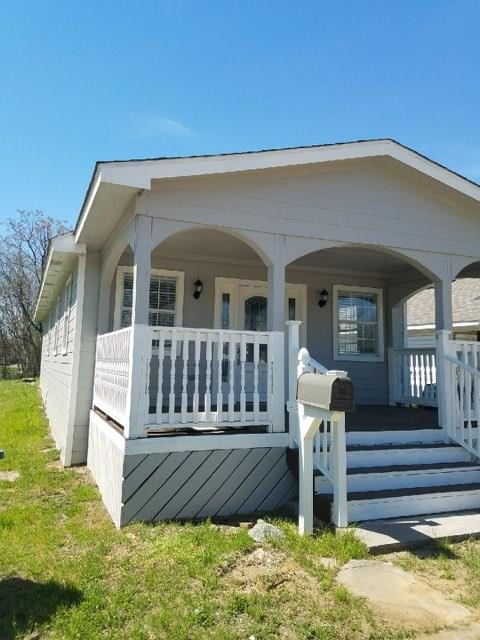 Such a wonderful house! Amazing remodel. Has a porch and a deck. Jacuzzi in the bathroom. Washer and Dryer room. This one will go so fast!! Come check it out!