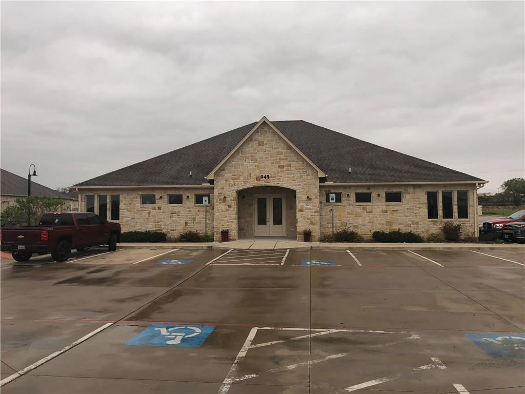 949 Hilltop Drive, Weatherford, TX 76086