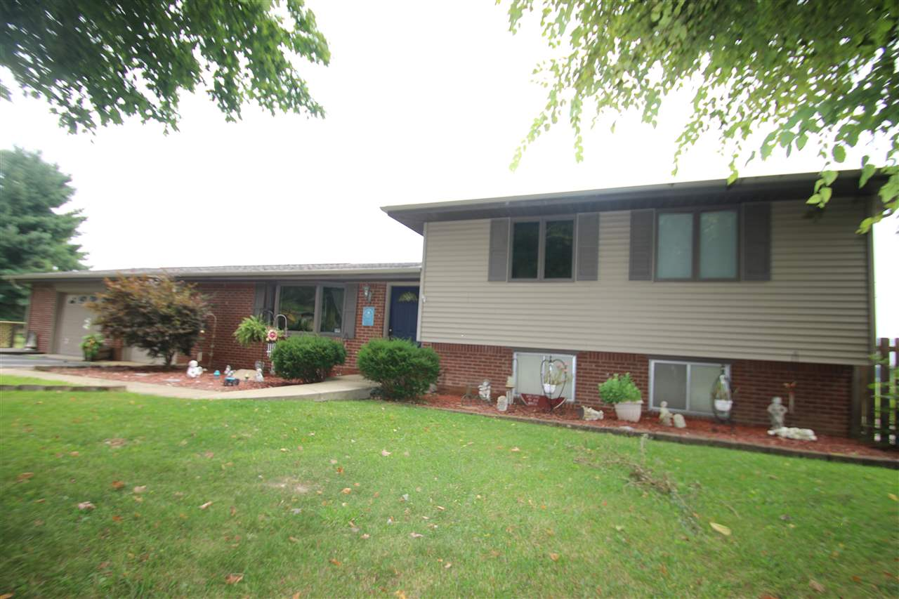 1717 N Old Orchard Dr., Seymour, IN 47274