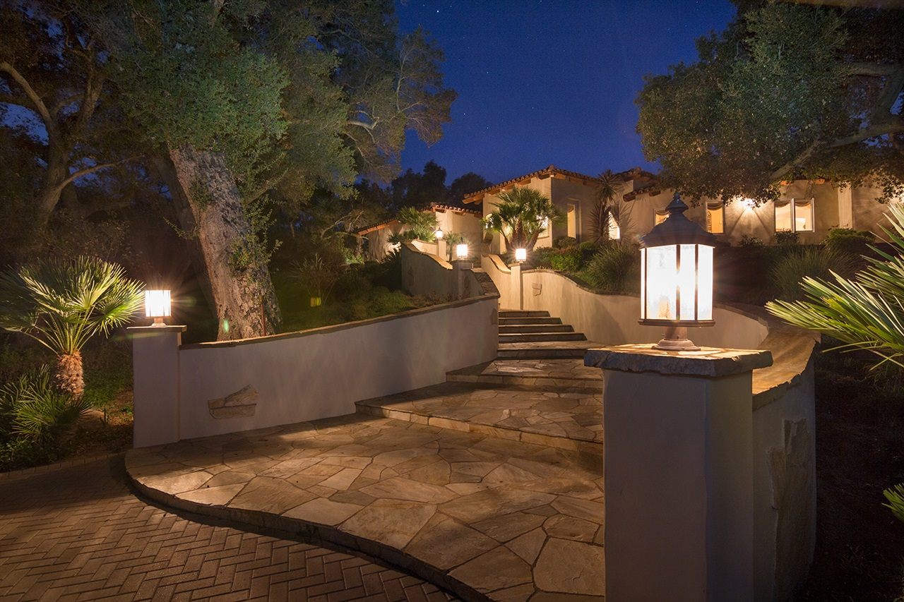 13935 Hilldale Rd, Valley Center, CA 92082