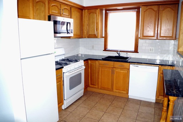 31 Brook Avenue 2, Wallington, NJ 07057