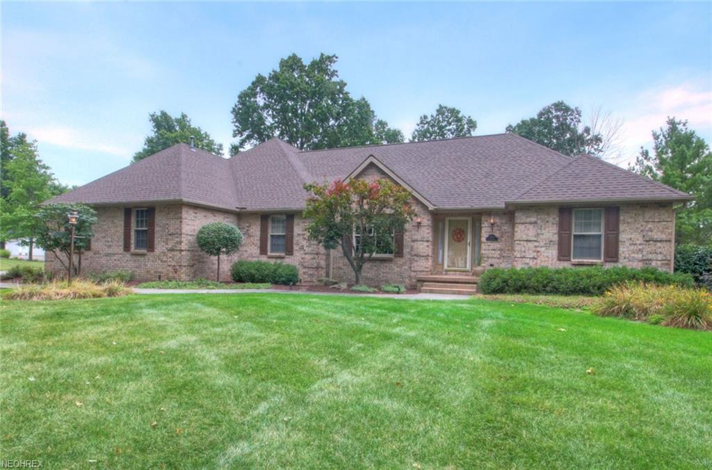 601 Stoneybrook Ln, Canfield, OH 44406
