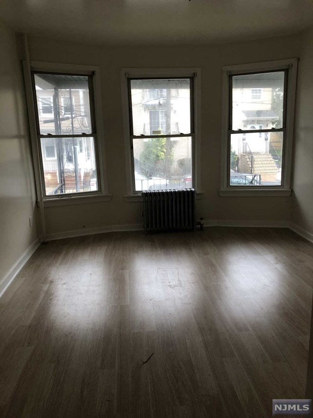 156 Hobson Street, Newark, NJ 07112
