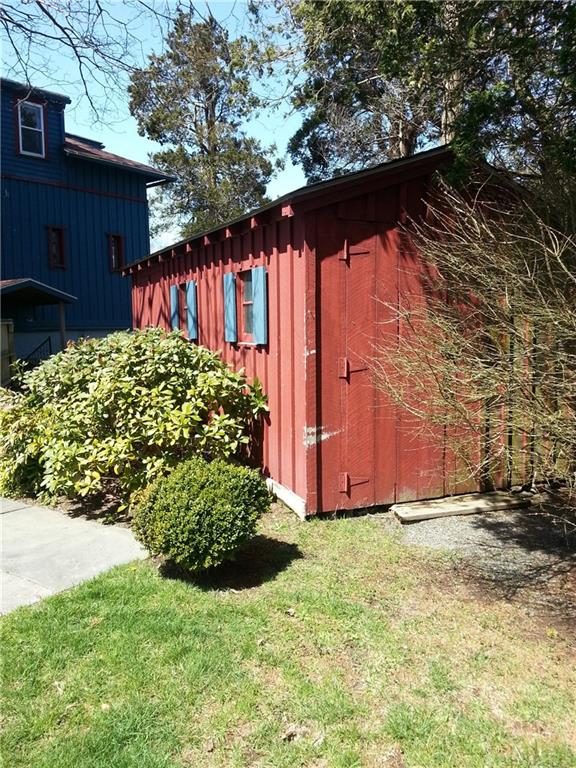 203 209 N Fenner Ave Middletown, RI   Storage Shed