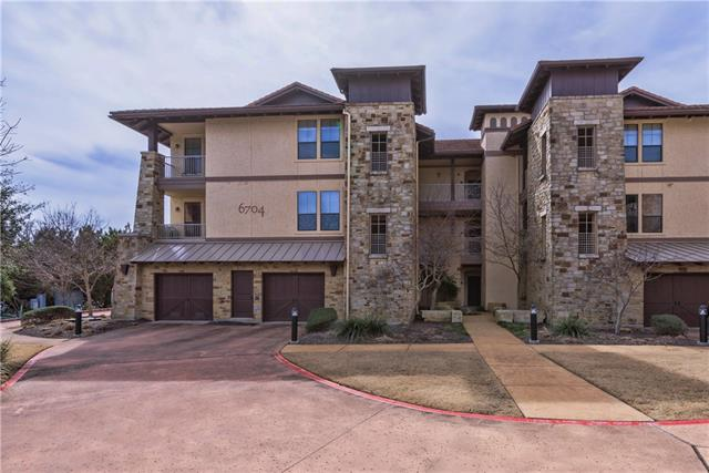 Awesome Lake Travis 2nd/primary home opportunity. Largest floorplan condo in The Hollows. LAKEFRONT with travertine, hardwood flooring & plantation shutters. Views from every angle. Corner unit has total privacy & lots of space. Open plan with spacious beds and baths. Balcony built-in with sink, fridge and ice maker. One car garage. HOA dues include use of all amenities not including private marina (slips available). trails, pools, spas, gym, grill, playground, boat ramp, parks. The Hollows has it all!