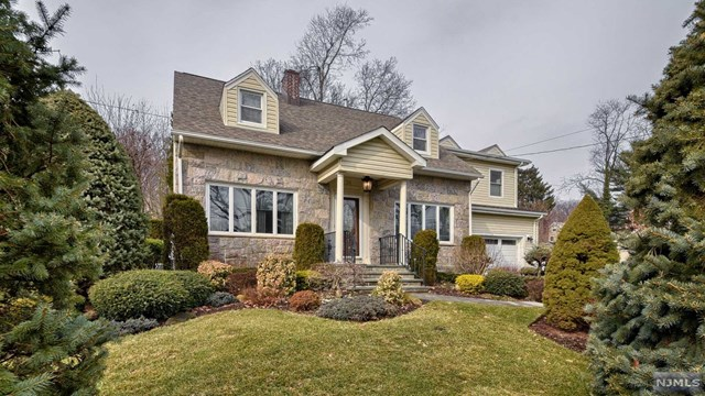 54 Pearl Brook Drive, Clifton, NJ 07013