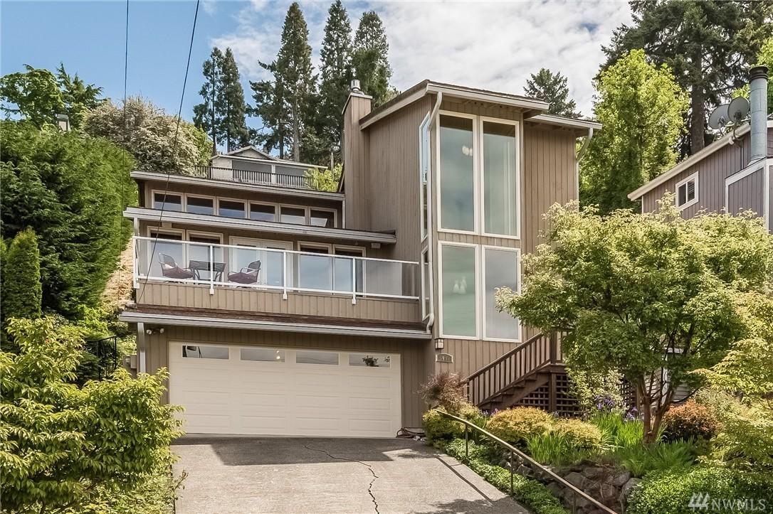 5948 Beach Dr SW, Seattle, WA 98136