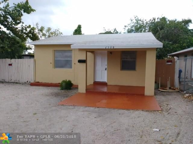 Turnkey investment house, rented for $1,215 a month, lease expires 5/31. House is not updated, in average but rentable condition. Do not disturb tenants. See Broker Remarks.