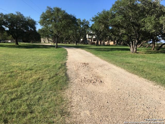1375 RIVER TRAIL RD, Pipe Creek, TX 78063