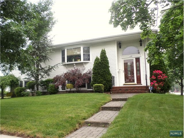 13-39 Comerford Place, Fair Lawn, NJ 07410