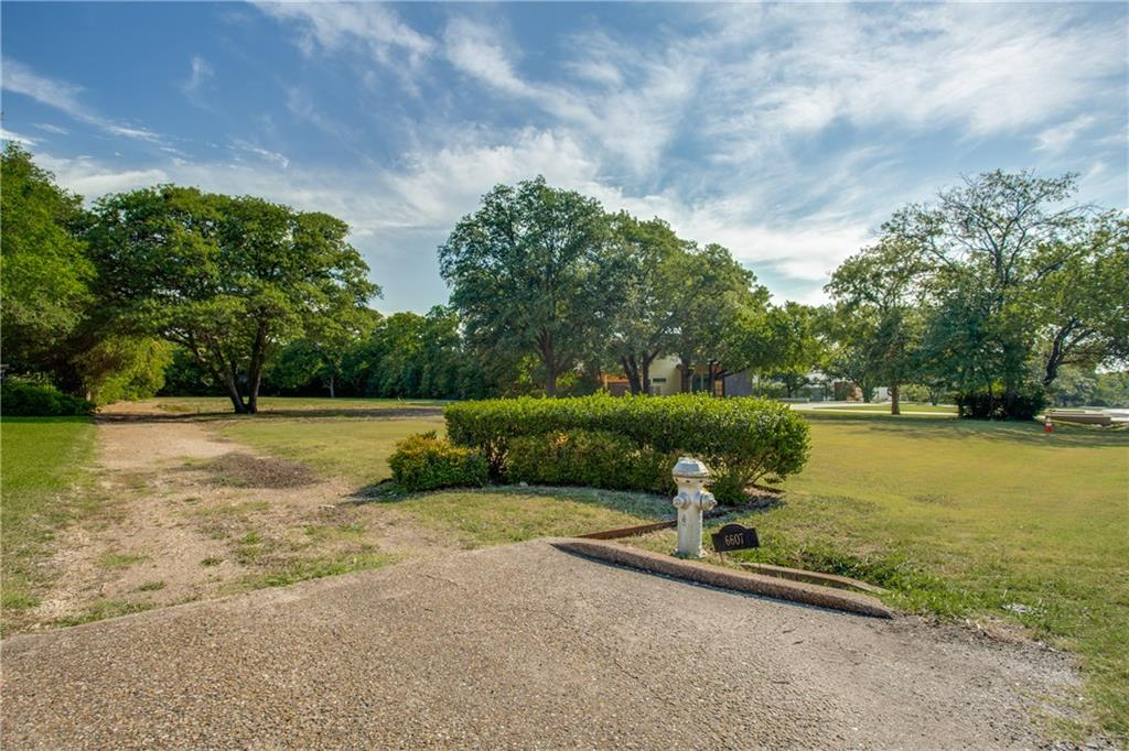 Build your dream home on this prime 1.055 Acre lot in sought after Hillcrest Estates. This property is in the heart of Rick Circle area where so many multi million dollar homes have been built and are being built. Great location on a quiet street and conveniently located near private schools, shopping, and restaurants. Pool has been removed per owner.