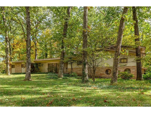 148 Frontenac Forest, Frontenac, MO 63131