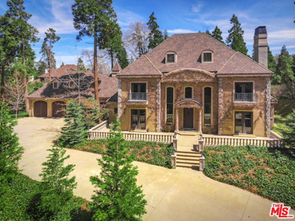 400 CEDAR RIDGE Drive, Lake Arrowhead, CA 92352