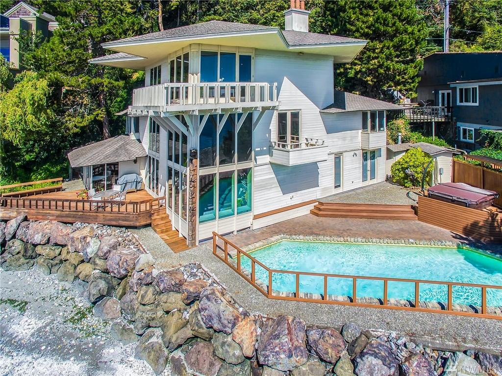 10861 Arroyo Beach Place SW, Seattle, WA 98146