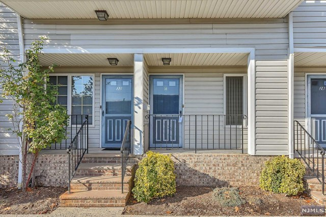 30 Willow Wood Square, East Rutherford, NJ 07073