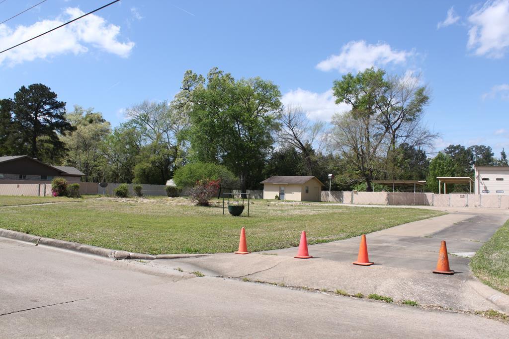 16 Tanglewood Circle, Lufkin, TX 75904