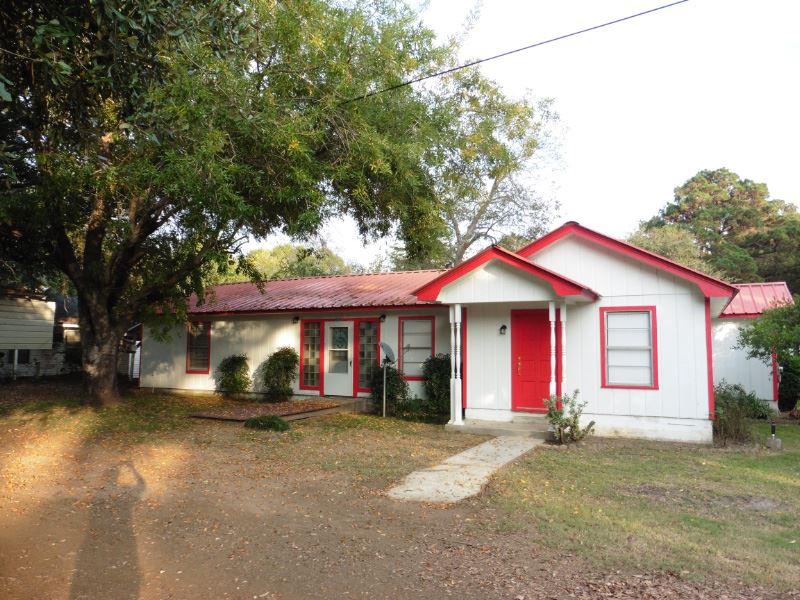 255 Hideway Loop, Hemphill, TX 75948