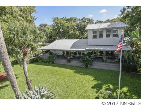 1839 Camp South Moon Rd, Astor, FL 32102