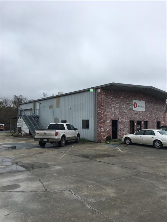 Clean Office Warehouse for lease on Hwy 90 W ( East Napoleon) in Sulphur. Downstairs includes Lobby, 7 offices, kitchen, 2 Half baths and warehouse with 2- 14 ft roll up doors(1 per side). Upstairs includes 3 offices, a conference room, copy room, and multiple storage rooms. Call for more details.