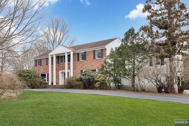 320 Westwind Court, Norwood, NJ 07648