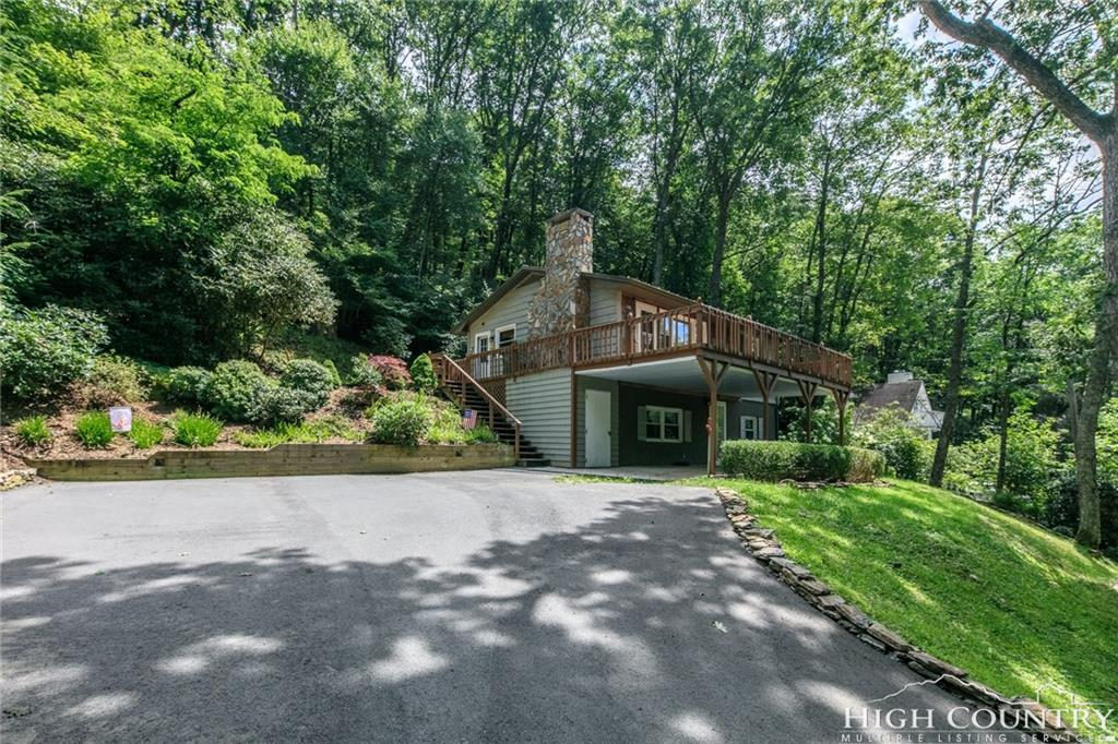 776 Niley Cook Road, Blowing Rock, NC 28605