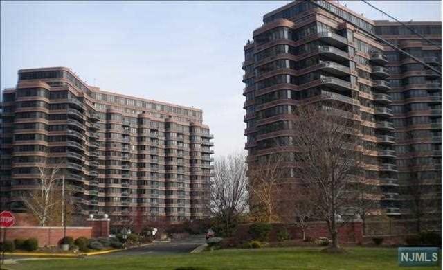 100 Winston Drive, Cliffside Park, NJ 07010