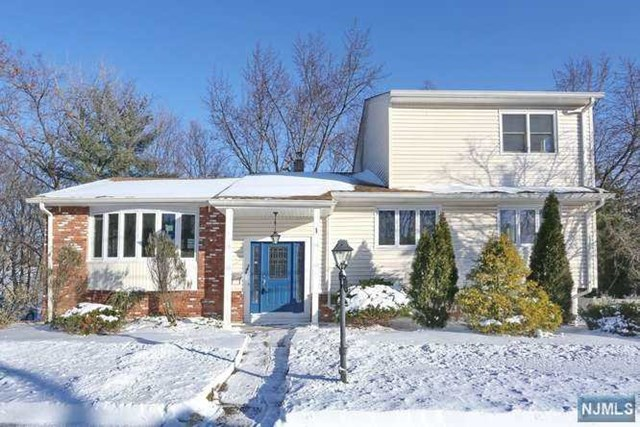 143 Munsey Road, Emerson, NJ 07630