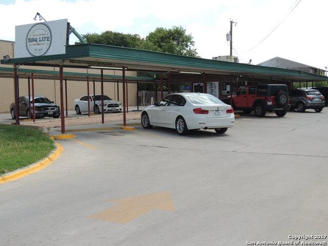 902 S WW White Rd, San Antonio, TX 78220