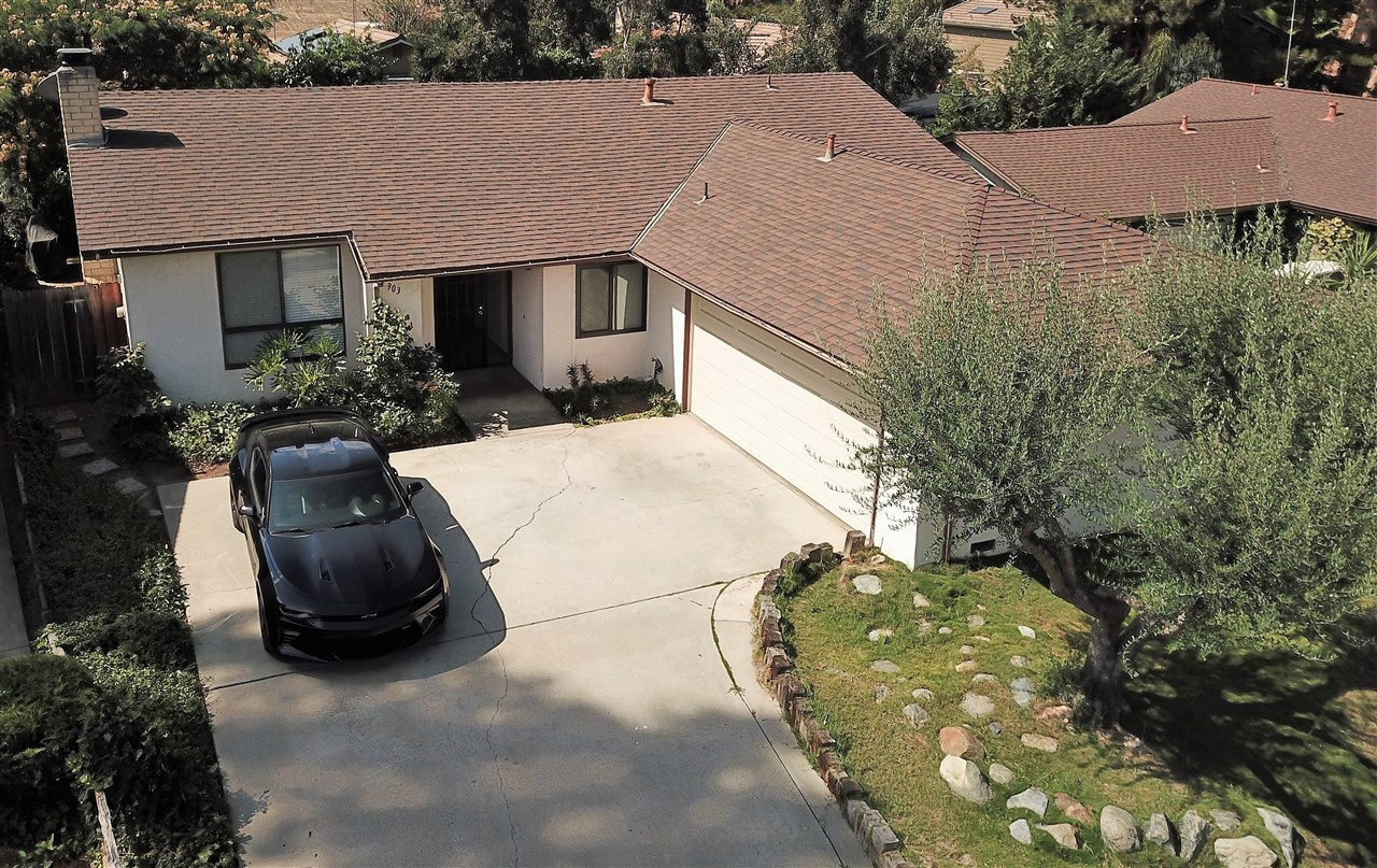 903 Woodcreek Rd, Fallbrook, CA 92028