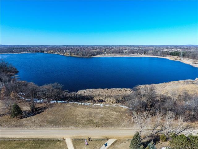 Your dream home awaits. Country living yet close to all the conveniences and on Judah Lake with 275' of lake frontage. What more could you ask for?  Highly desirable ranch style home set on a beautiful 2.53 acre lot. Stylish open concept floor plan and attached 3 car garage. Fresh and neutral palette throughout. Gorgeous granite kitchen features an island w/seating, double oven and a pantry. It opens to the dining area and is perfect for entertaining and for the master chef of the family. Impressive great room w/vaulted ceiling and stone fireplace. Generous room sizes and gorgeous master suite w/walk-in closet and en suite. Often sought 1st floor laundry room. Walkout basement plumbed for a full bathroom. Close proximity to expressway, fine dining, entertainment and shopping. New construction to be completed approximately four months from signed agreement. Still time to customize your plan before construction begins. Hurry!