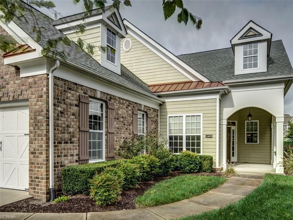 1419 Blairwood LN, Chesapeake, VA 23320