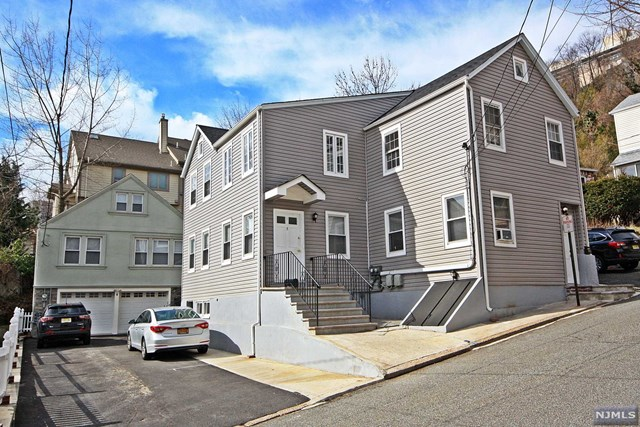 4-5 Maple Street, Edgewater, NJ 07020