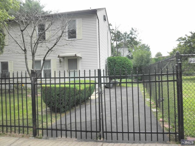380 Littleton Avenue, Newark, NJ 07103
