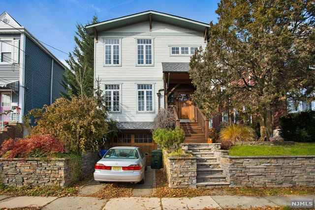 18 Hackett Place, Rutherford, NJ 07070