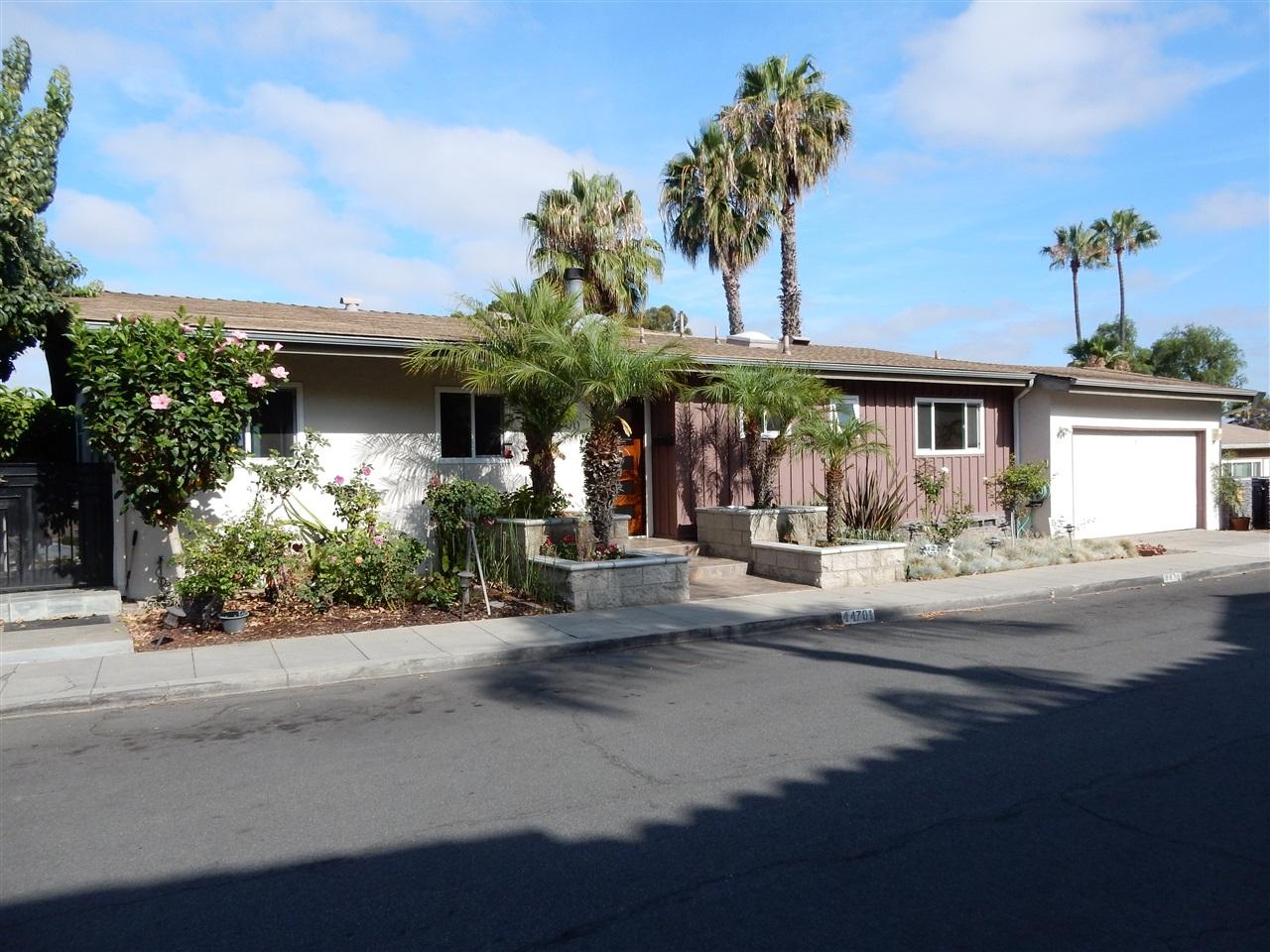 4470 Sheldon Dr, La Mesa, CA 91941