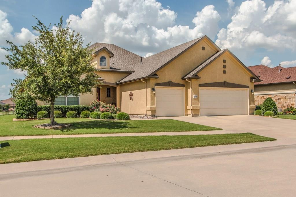 Golf Course Beauty!  2 BR, 2.5 BA 3 Car Garage Talavera on the 11th Fairway of the new Golf Course!