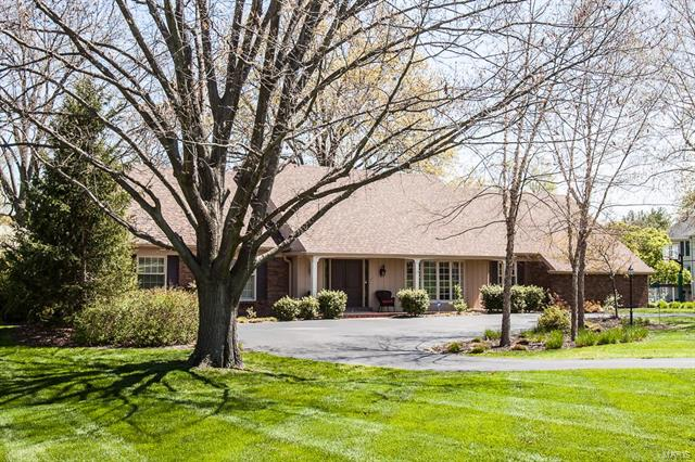 7 Fairlake Drive, Chesterfield, MO 63005