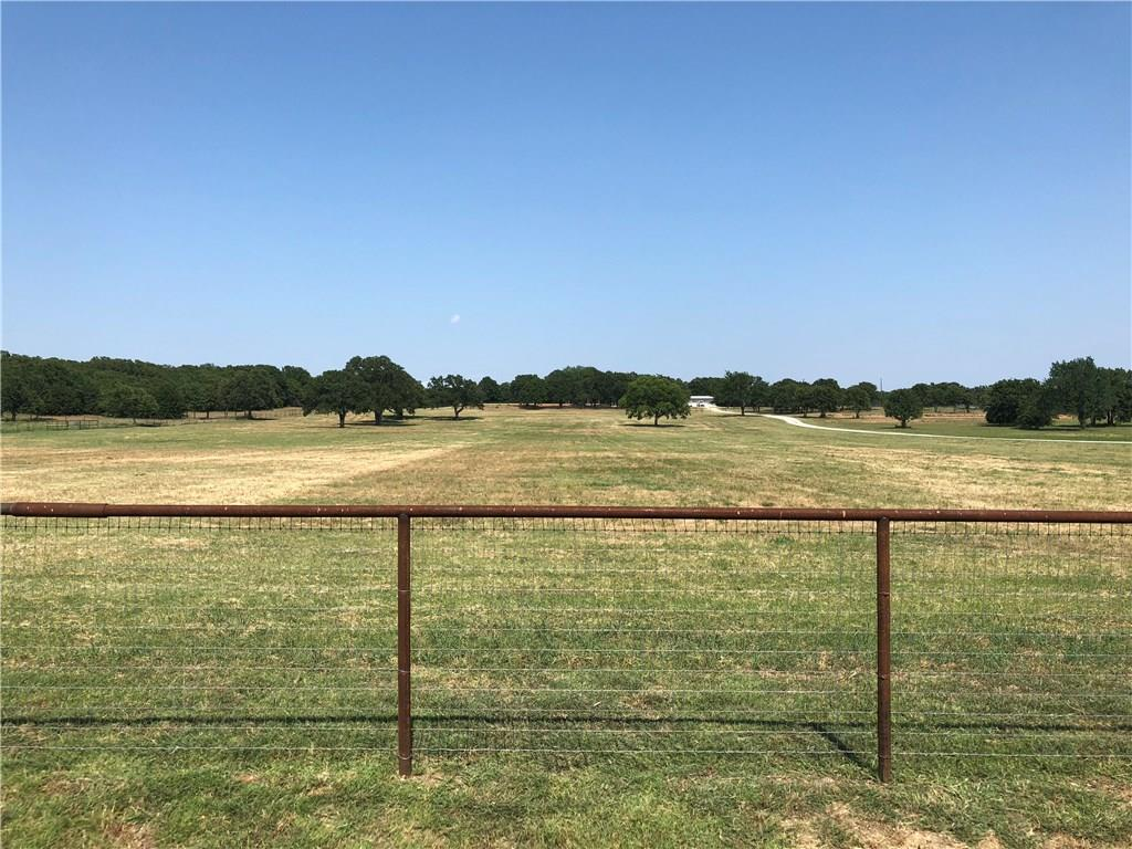 163 Bloomfield Road, Valley View, TX 76272