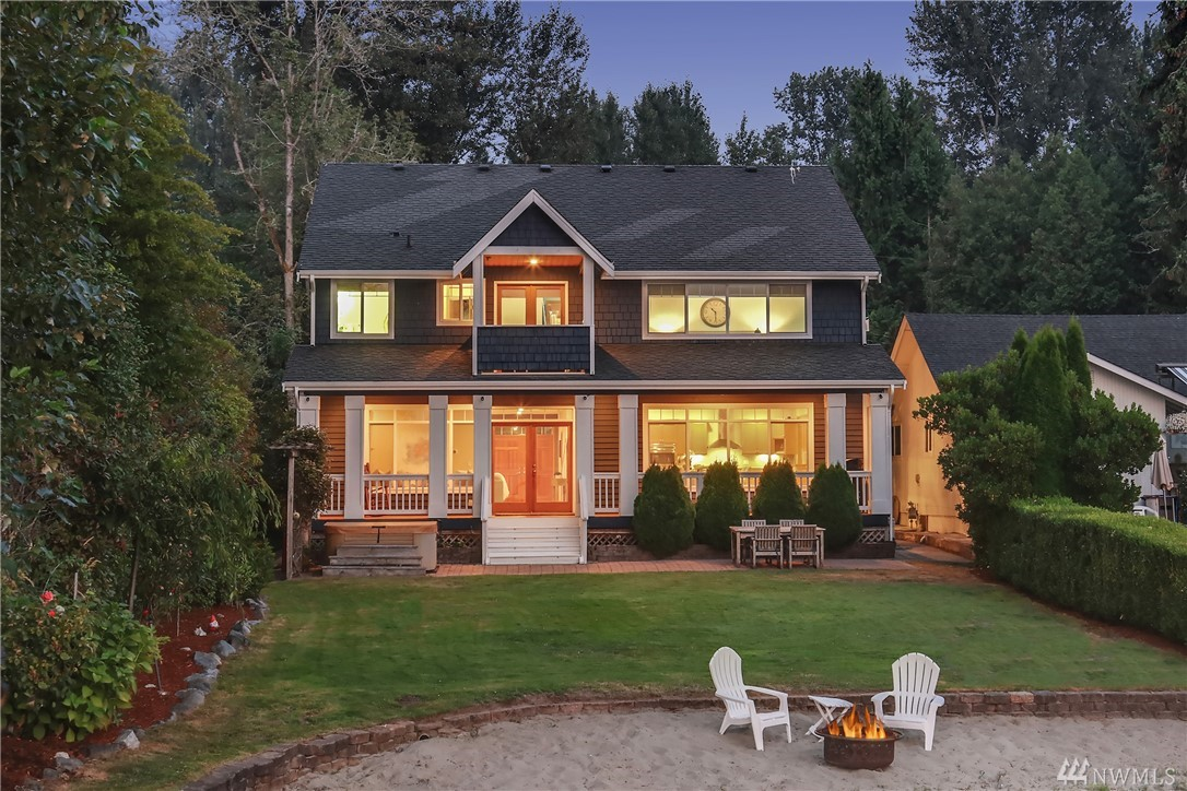 109 E Lake Sammamish Shore Lane NE, Sammamish, WA 98074